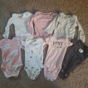 CARTERS PREEMIE BUNDLE - Great Condition - girl